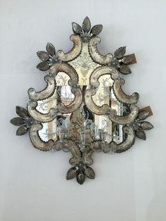 - objects of desire - Bilderrahmen Ornate Mirror, Vintage Mirrors, Wood Mirror, Vintage Wood, Mirror Mirror, Mirror Artwork, Venetian Glass, Venetian Mirrors, Objets Antiques