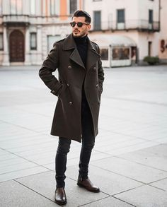 Best Picture For cute Business Casual For Your Taste You are looking for something, and it is going to tell you exactly what you are looking for, and you didn't find that picture. Here you will find t Winter Fashion Outfits, Look Fashion, Winter Outfit For Men, Best Winter Outfits Men, Best Casual Shirts, Business Attire For Men, Style Masculin, Men With Street Style, Men Street