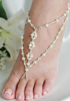 """""""foot jewelry"""" as beach wedding shoes"""