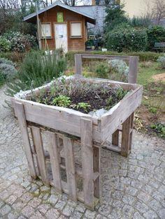 Potager en carre avec des palettes en bois et potager sureleve passion potage - Jardin sureleve creation ...