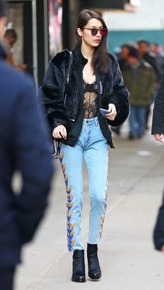 Hadid News' Gallery: Click image to close this window Bella Hadid Style, Hollywood Fashion, Hollywood Style, Models Off Duty, Biker Style, Streetwear Fashion, Stylish Outfits, Mom Jeans, Celebrity Style
