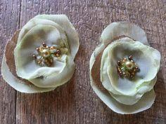 jolies fleurs vertes en tissus pour vos créations fait main vendues par 2…