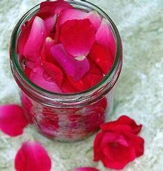How To Make Water, How To Make Rose, How To Make Homemade, Homemade Things, Uses For Rose Water, Homemade Rose Water, Fresh Rose Petals, Uses For Rose Petals, Natural Beauty Recipes