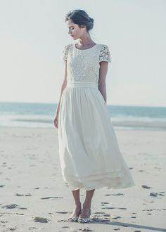 sweet and simple wedding dress.