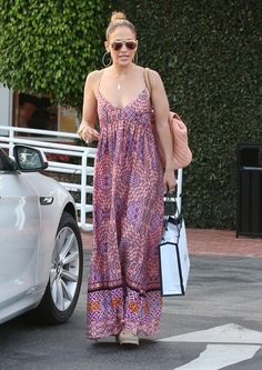 Jennifer Lopez & Maksim Chmerkovskiy Dating Rumors Still Haven't Been Put to Rest: Photo Jennifer Lopez links arms with her BFF Leah Remini while stepping out to do some shopping at Fred Segal on Wednesday (July in West Hollywood, Calif. Street Look, Street Style, J Lo Fashion, Maksim Chmerkovskiy, Jennifer Lopez Photos, Summer Outfits, Summer Dresses, Business Dresses, Dress Patterns