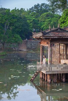 Stock Photo : Vietnam, Thua Thien-Hue, Hue, Woman at Tomb of Tu Duc Hue, Vietnam, Stock Photos, Woman, Photography, Photograph, Fotografie, Women, Photoshoot