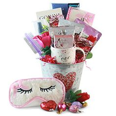Valentinde's Day 2021 - Gift Basket Ideas What Is Valentines Day, Valentine Gifts, Basket Ideas, Small Gifts, Giving, Cute Gifts, Gift Baskets, Make Your Own, Blog