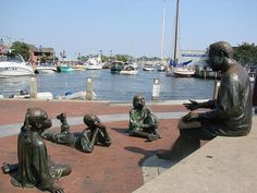Alex Haley Memorial in Annapolis, MD Downtown Annapolis, Annapolis Maryland, Mid Atlantic States, Black History Facts, Romantic Destinations, Buy Tickets, Travel And Leisure, Walking Tour