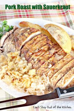 Pork Roast with Sauerkraut uses a delicious pork tenderloin roast served with potatoes and sauerkraut. This recipe is gluten free. Baked Ribs, Baked Pork, Pork Roast Recipes, Pork Tenderloin Recipes, Pork And Sauerkraut Recipe, Pork Dishes, Fish Dishes, Pork Ribs, Dinner Recipes