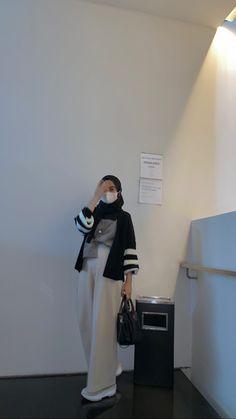 Modesty Fashion, Muslim Fashion, Hijab Fashion, Fashion Outfits, Womens Fashion, Casual Hijab Outfit, Ootd Hijab, Casual Outfits, Minimalist Dresses