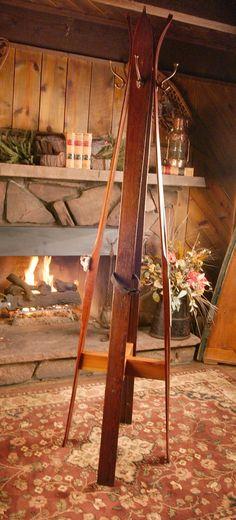 Vintage Ski Hall Tree using wooden downhill skis Vintage Ski, Vintage Winter, Ski Weekends, Window Wall, House In The Woods, Ladder Decor, 1930s, Remodeling, Repurposed