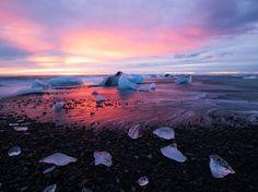 Icelands Jökulsárlón glacier lagoon; Hardik Desai [990 x 742]