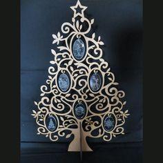 Christmas : Christmas Tree Christmas Christmas, Door Handles, Terrier, Christmas Decorations, Seasons, Home Decor, Xmas, Door Knobs, Decoration Home