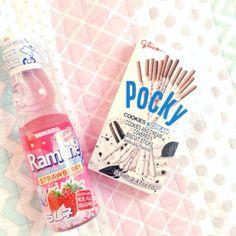 Pocky game anyone? Pocky Game, Cute Candy, Japanese Candy, Cookies And Cream, Oreo, Bunny, Kawaii, Treats, Food