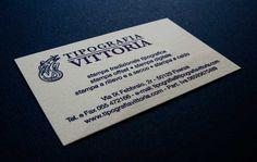 Biglietti da visita stampati in rilievo tipografico, un'opera d'arte di 8,5x5,5 cm.