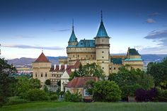 Bojnice Castle ~ Bojnice, Slovakia (Photo by Jim Zuckerman) Villas, The 10th Kingdom, Cathedral Church, Central Europe, Old Buildings, Nature Images, Mansions, House Styles, Places