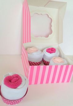 Cadeau de naissance boîte cupcake body