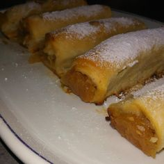 Reteta Strudel cu mere din aluat de casa Romanian Food, Pastry Cake, Sweet Memories, Sweets Recipes, Bacon, Bakery, Deserts, Food And Drink, Yummy Food