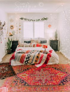 Must Read Bedroom Styling Ideas 1186698071 - Simply imaginative strategies for a classy boho bedroom ideas cozy Bedroom decor suggestions imagined on this day 20190307 Cheap Home Decor, Bedroom Interior, Bedroom Design, Room Inspiration, Bedroom Decor, Aesthetic Room Decor, Room Decor, Room Ideas Bedroom, Apartment Decor