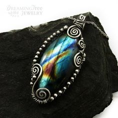 Labradorite pendant made with natural labradorite and 925 sterling silver