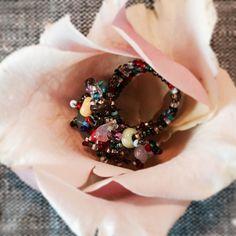 Visst är den vacker? Handgjord ring i kärlekens alla färger från GuateGuate. Finns i vår webshop, vem får din?