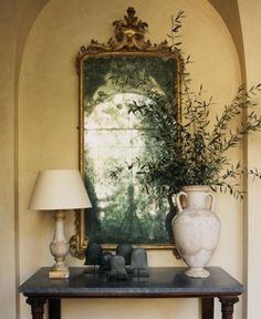 Michael S Smith via Belgian Pearls Nice balance of elements in this vignette. Belgian Pearls, Cool Bunk Beds, Interior And Exterior, Interior Design, Entry Way Design, Beautiful Mirrors, Entry Foyer, Decoration, Vignettes