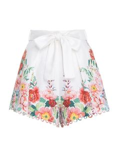Bellitude Floral Short - New Arrivals Lit Outfits, Unique Outfits, Spring Outfits, Little White Dresses, Linen Shorts, Floral Shorts, Casual Fall, Fashion Wear, Diy Clothes