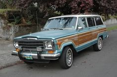 His and hers Jeep Grand Wagoneers - Documenting and celebrating the forgotten daily drivers and automotive workhorses of Portland, Oregon Jeep Cars, Us Cars, Beach Wagon, 4x4, Old Jeep, First Time Driver, Jeep Wagoneer, Van Camping, Jeep Grand