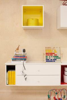 Pour l entree: peindre l'intérieur des meubles