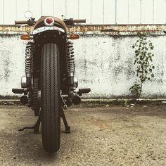 Suzuki GS550 #caferacer discover #motomood