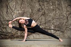 Yoga on a sunny day. Drop Needle leggings with Dreamer Unleashed bra. #activewear #fitness  #gymwear #plussize #plusactivewear #temaathletics #athleisure #bottom #meshtee #meshdetails #meshback #peekaboo #yoga #zumba #ootd #outfit #Black #leggings #bottoms #capri #yogaoutfit #yogaleggings #gymwear #gymleggings #running #highwaist #compression #plus #plusfitness #bodypositive #curvy #curvyfashion #plus-sizeactivewear #plusfashion  #athleticwear #athlete #crossfit #yogi #yogini #plusyoga…