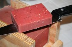An overview of the complete cold process soapmaking with step by step instructions. Free tutorial with pictures on how to make soap in under 120 minutes using olive oil, containers, and pan. How To posted by Soap Deli News. Diy Soap Cutter, Deli News, Strawberry Preserves, Little Presents, Homemade Soap Recipes, Cold Press Soap Recipes, Handmade Soaps, Diy Soaps, Cold Process Soap