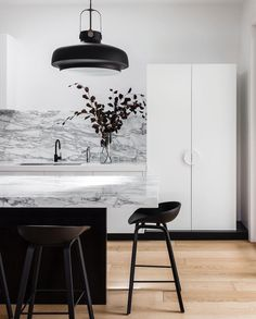 10 moderne isole per cucina in marmo | Thepich