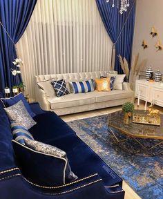 Elegant Home Decor On A Budget – HomeDecorously Blue Living Room Decor, Small Living Rooms, Home Living Room, Living Room Sofa, Formal Living Rooms, Elegant Home Decor, Elegant Homes, Diy Home Decor, Home Room Design