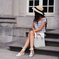 Working on a new outfit post. In the meantime, another still from my latest one (boldblissblog.com)! (wearing @asos espadrilles, @missguidedcouk top and @boohoooffical boater hat)