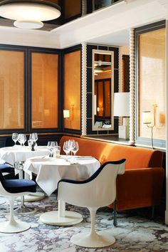 This brilliant restaurant, Loulou Restaurant Paris, recently got me thinking more about the use of caning in interiors. Loulou Restaurant, Restaurant Paris, Restaurant Concept, Restaurant Design, Restaurant Interiors, Restaurants In Paris, Top Interior Designers, Modern Interior Design, Interior Architecture