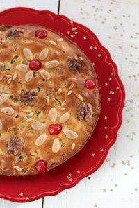 Zelten dolce di Natale per eccellenza tipico del Trentino Alto Adige. Un dolce ricco di frutta secca per celebrare una festività importante come il Natale.