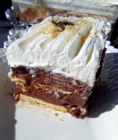 Classic Banoffee Pie – Food and Streets by Sadaf Pie Recipes, Cookie Recipes, Canned Butter, Recipe Tin, Banoffee Pie, Digestive Biscuits, Banana Slice, Pudding Desserts, Chocolate Shavings