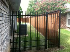 Fence idea for Riley (narrow bottom slats) – front yard fence ideas Florida Landscaping, Privacy Landscaping, Backyard Privacy, Front Yard Landscaping, Patio Fence, Backyard Fences, Front Yard Fence Ideas Curb Appeal, Driveway Ideas, Driveway Gate