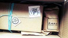 a tak ładnie pakujemy nasze paczki... wszystkie materiały pochodzą z recyklingu lub są wykonane z surowców naturalnych :) staramy się być eko a wy ???