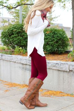 Legs for days leggings - burgundy xmas Trendy Outfits, Cute Outfits, Fashion Outfits, Womens Fashion, Party Outfits, Fall Winter Outfits, Autumn Winter Fashion, Christmas Outfits, Winter Style