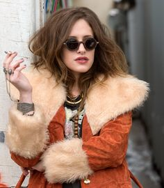 Carly Chaikin (Darlene) Mr Robot. This girl's style is the tits.