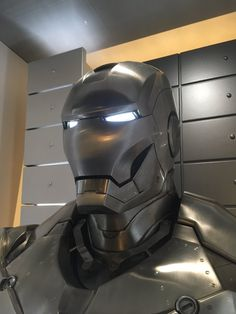 Marvel Dc, Marvel Comics, Iron Man Hulkbuster, Latest Technology Gadgets, Combat Armor, Iron Man Wallpaper, Iron Man Armor, Spiderman Art, Gaming Wallpapers