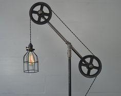 Lámpara de pie - Lámpara de pie - polea luz - muebles industriales - tubos - tubo de iluminación - lámpara Industrial - Industrial Chic