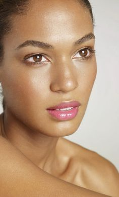 Black woman #face #Joan Smalls