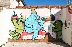 village-abandonne-envahi-par-le-street-art8