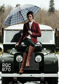 Land Rover's are for when it's wet out Land Rovers, Preppy Style, Style Me, Classy Style, Style Anglais, Moda Outfits, Best Luxury Cars, Winter Mode, Off Road