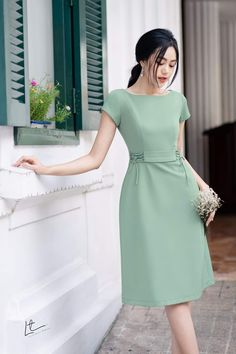 Lovely Dresses, Beautiful Outfits, Simple Frocks, Casual Dresses, Fashion Dresses, New Designer Dresses, Ankara Gown Styles, Sleeves Designs For Dresses, Pastel Fashion