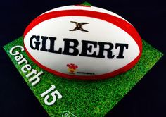Ideal for any Rugby fan. This Rugby Ball cake makes the perfect cake for any birthday party. This Cake Serves 35-40. Available in a choice of vanilla sponge