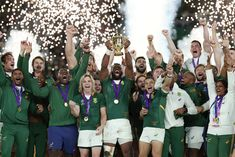 RWC 2019 Final: South Africa wins Rugby World Cup title England Players, England Fans, Siya Kolisi, South African Rugby, Rugby Club, Rugby Sport, Champions Of The World, World Cup Winners, World Cup Final